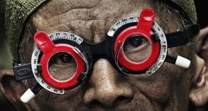 "Kadras iš filmo ""The look of silence"" Šaltinis - indiewire.com"