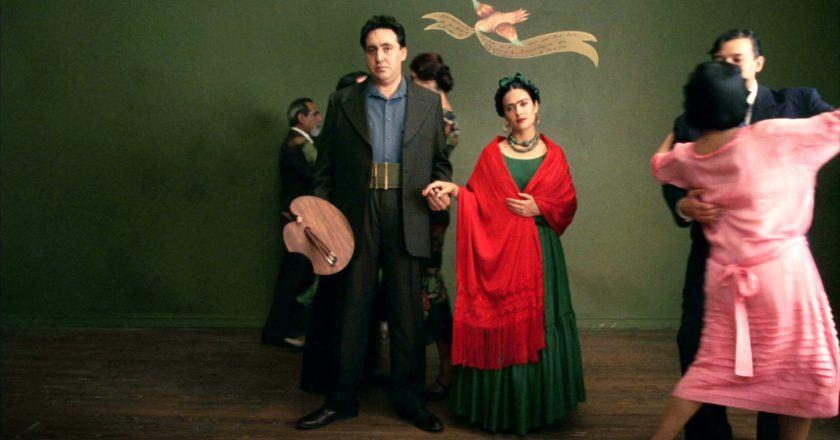 """Kadras iš filmo """"Frida"""" Šaltinis - hotflick.net"""